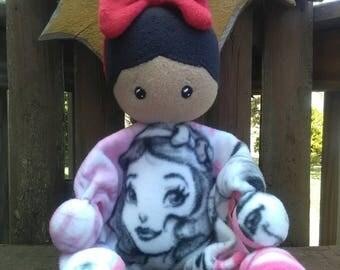 SNUGGLE BUMBLE-Snow White