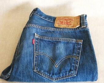 Vintage Levis, Blue Jeans, Button Fly, 35 waist, 30 Inseam, Casual Pant, Men's Pant, Denim, Indigo, Work Pant, Levi 501, Dark Indigo, Jean