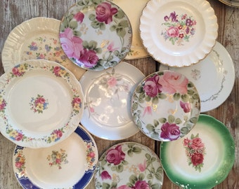 SALE! Gorgeous Charming Shabbily Chic mismatch lot of china 16 pcs!!! Instant wall decor! Perfect for vintage wedding!!!