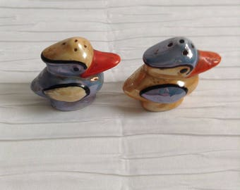 Vintage Ceramic Bird Salt & Pepper set.  Modernist Ceramic Kitsch. 1960's.  Made in Japan