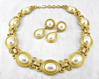 Vintage MONET Pearl & Gold Collar Necklace and Drop Earrings Jewelry Set