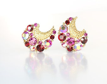 Fuchsia Pink Rhinestone earrings, Crescent Lisner Earrings vintage 1960s jewelry