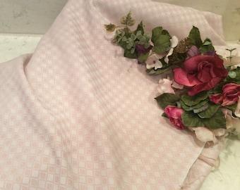 Vintage Light Pink Woven Diamond Print Fabric, Vintage Material, Vintage Fabric, Vintage  Synthetic Fabric, Vintage  Textiles