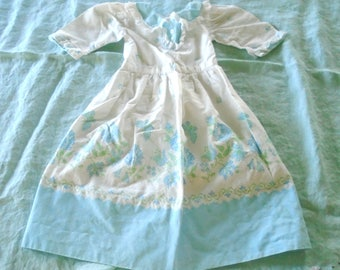 Sweet Vintage Doll Dress / Victorian Doll Dress / Prairie Dress / Blue Flowers / White Cotton / Hand Made / Collar / Country Shabby Cottage