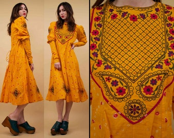 70s Vtg MARIGOLD Cotton Embroidered Folk Dress / Hippie BOHO Ethnic Princess Long Sleeve CORSET Back / Medium - Large