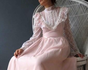 70s Gunne Sax Pastel Pink White Lace Boho Maxi Dress Small