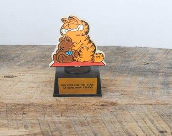Vintage Garfield Trophy Statue by Aviva 1978