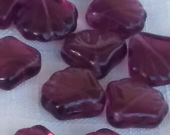 VIntage Glass Beads. AMETHYST purple Scallop SHELLS Czech  15mm (10)