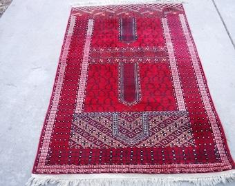 "Turkish Prayer Rug 50"" x 76"""