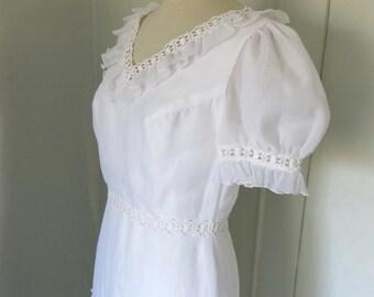 Vintage wedding dress with short sleeves Bohemian