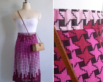 15% V-DAY WEEK Sale - Vintage 80's Pink Houndstooth Print Pleated Skirt Xxs or Xs