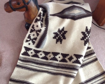 Vintage Wool Throw / Wool Rug / Aztec Design Wool Throw / Aztec Design Wall Hanging / SALE