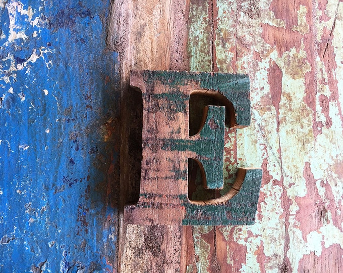 """Beach Decor Wooden LETTER """"E"""" Vintage Style Nautical by SEASTYLE"""