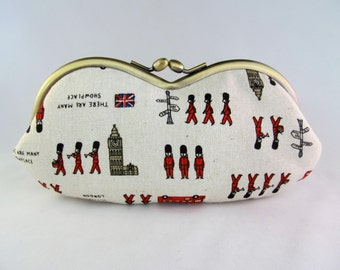 London Beefeaters Soft Eyeglass Case - Eyeglass Holder - Eye Glass Case - Sunglasses Case - Cute Glasses Case - Case for Glasses Travel