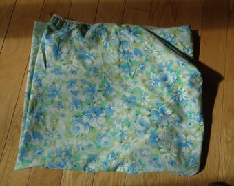Retro Blue Floral Fitted Sheet, A Double Fitted Bed  Cloth Sheet with the Marvelaire  by Springmaid Label in Very Good Condition