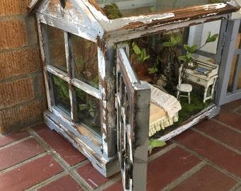 Dollhouse miniatures glass display case fairy house diorama secret garden