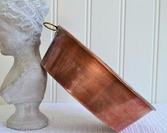Skultuna  oval copper baking mold, vintage Swedish farmhouse utensil, kitchen decoration