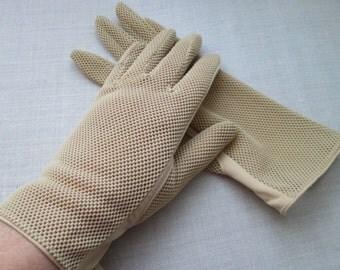 Vintage 1970's / 1980's Beige Nylon Gloves 6.5 Mesh Backs