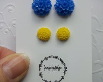Large Blue and Small Yellow Chrysanthemum Stud Set