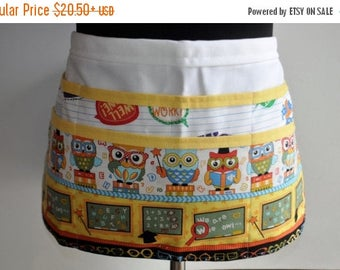 ON SALE Teacher apron, Preschool Teacher apron, Classroom utility apron, Owl Teacher apron, Kindergarten teacher apron, Pocket apron for tea
