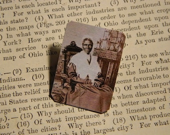 Sojourner Truth brooch lapel pin African American HIstory Civil Rights Solidarity