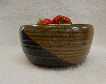 "Stoneware Pottery Cereal/ Ice Cream Bowl. Approx. 7"" dia. x 3"" tall. Holds 4 cups."