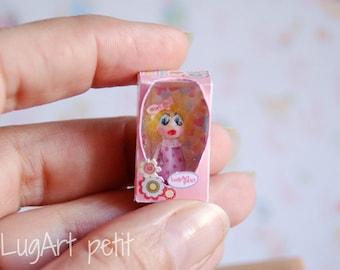 Little doll in box - 1/12 scale
