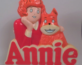 Vintage Little Orphan Annie Battery Operated Radio Featuring Annie and Sandy On Logo