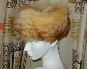 SALE Vintage Fur Hat Blonde Raccoon 1960s Fluffy Pillbox Hat Mod Jackie Kennedy Great Coloring Lining Needs Stitching 22 in AS IS