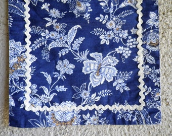 Pair of Country Living Placemats Reversible Blue & Ivory Floral with Rickrack Table Kitchen Place Setting Rectangle Feast Meal Chinoiserie