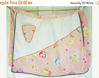 ON SALE Vintage Apron Cotton Fabric Happy Fruit Pattern with Orange Rick Rack Green Bias Kitchen Cooking, Cottage Chic, Shabby Chic