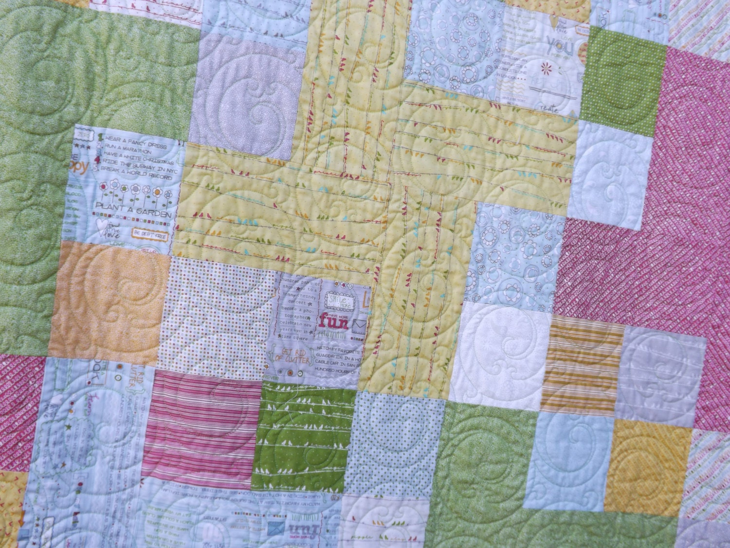 Tuesdays Tips ~ How Long Does It Take to Quilt a Quilt?  Sweet & Simple Pinwheel ~ free pattern by Heather Spence Designs and Dainty pantograph by Hermione Agee