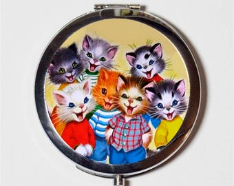 Kawaii Cat Compact Mirror - Retro Kitsch 1950s Children's Story Book - Make Up Pocket Mirror for Cosmetics