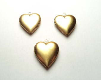 3 pcs - Brass 14mm Heart Lockets - m255