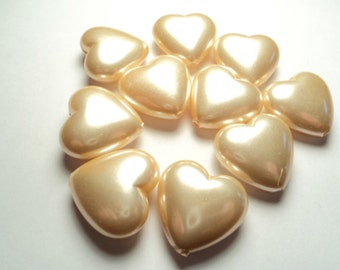 10 pcs. - 22mm Plastic cultura pearl heart  beads - a676