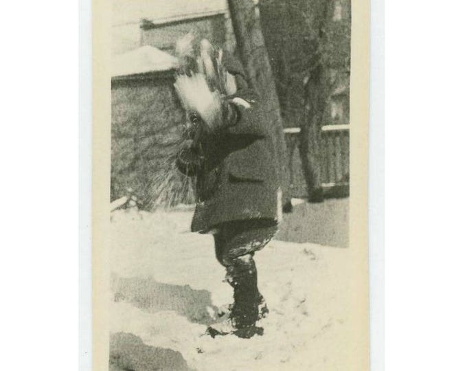 Vintage Snapshot Photo: Child Shoveling Snow, c1930s-40s (75574)
