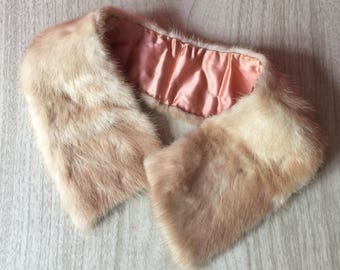 Pretty Vintage Blonde Mink Fur Collar with Clasp