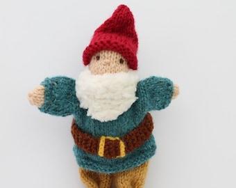 Walking gnome/Santa puppet knitting pattern PDF
