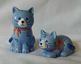 Vintage Salt and Pepper Shakers - Otagiri Blue Cat Salt Pepper Shakers Made in Japan - Blue Floral Cat Retro Kitchen Decor