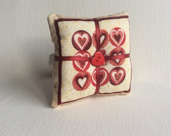 Handmade Hearts Design Square Wrist Pin Cushion ( Approx. 8X8cm )