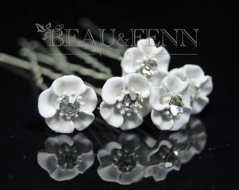Set of 5 delicate white flower and crystal hair pins clips accessories