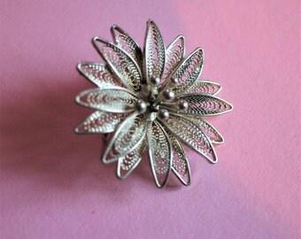 Charming Vintage Silver Filigree Flower Brooch