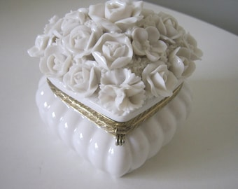 Vintage Porcelain Heart Shaped Jewelry/Trinket Box with Roses White with Brass Trim #6473
