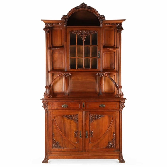 fine french art nouveau carved walnut buffet sideboard display. Black Bedroom Furniture Sets. Home Design Ideas