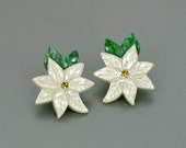 1992 Vintage AVON 'Porcelain Poinsettia' Pierced Earrings. Poinsettia Earring. Porcelain Earring. Avon Holiday Jewelry. Vintage Avon Earring