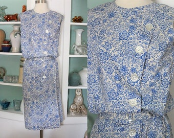 1960s Floral Dress / Vintage 60s Cream and Royal Blue Floral Blouson Shift Dress / Sleeveless Dress / 60s Casual Day Dress / Wiggle - S/M