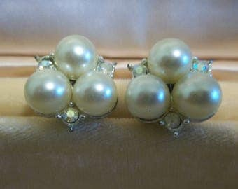 Vintage Pearl Cluster and Rhinestone Clip On Earrings in Silver Tone, 417S