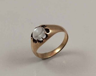Victorian - Edwardian 10kt Yellow Gold Moonstone Ring - Circa 1890 - 1910