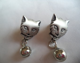 Vintage Signed JJ Pierced Earrings Silver pewter Cat with Bell
