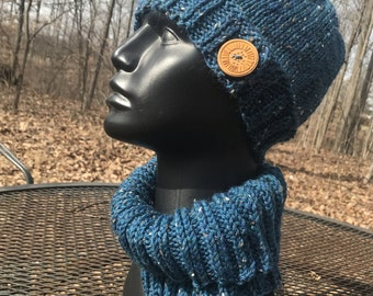 Button-tab Hat and Cowl set